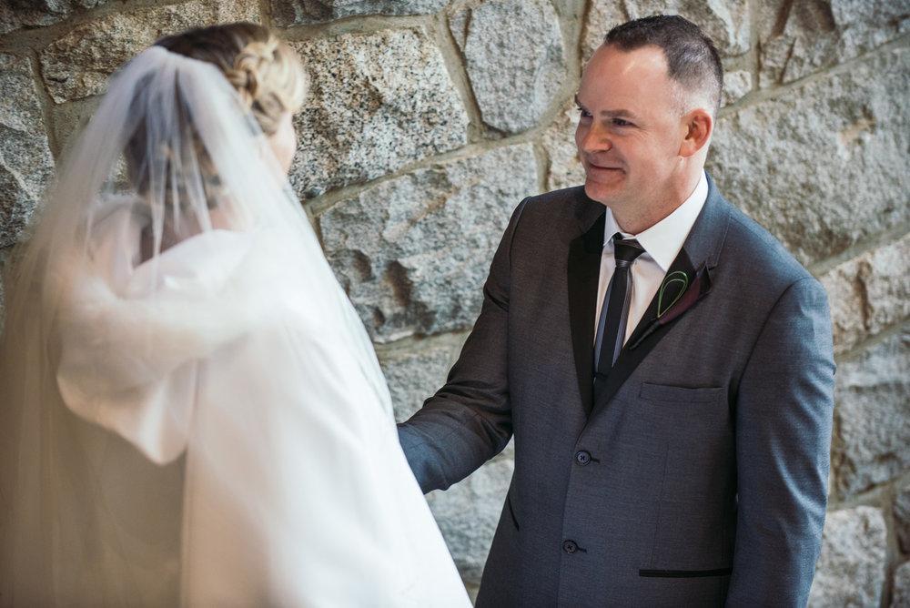 vancouver-island-wedding-photographers-grouse-mountain-winter-wedding-3.jpg