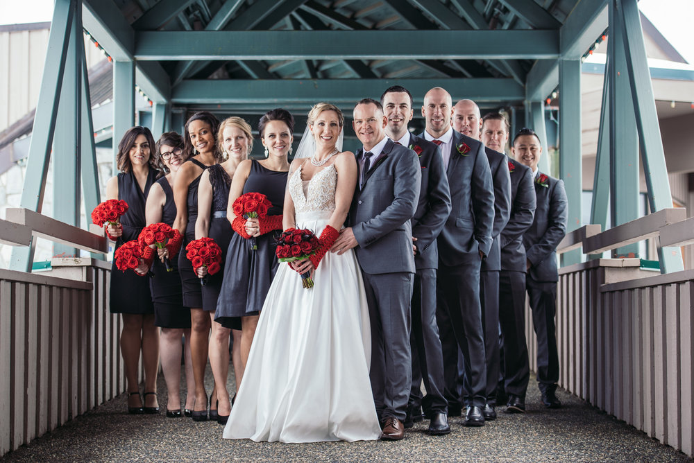 vancouver-island-wedding-photographers-grouse-mountain-winter-wedding-15.jpg