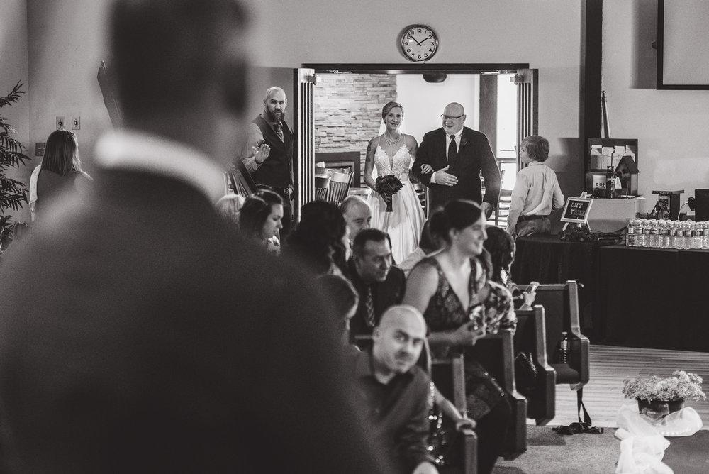 vancouver-island-wedding-photographers-grouse-mountain-winter-wedding-17.jpg