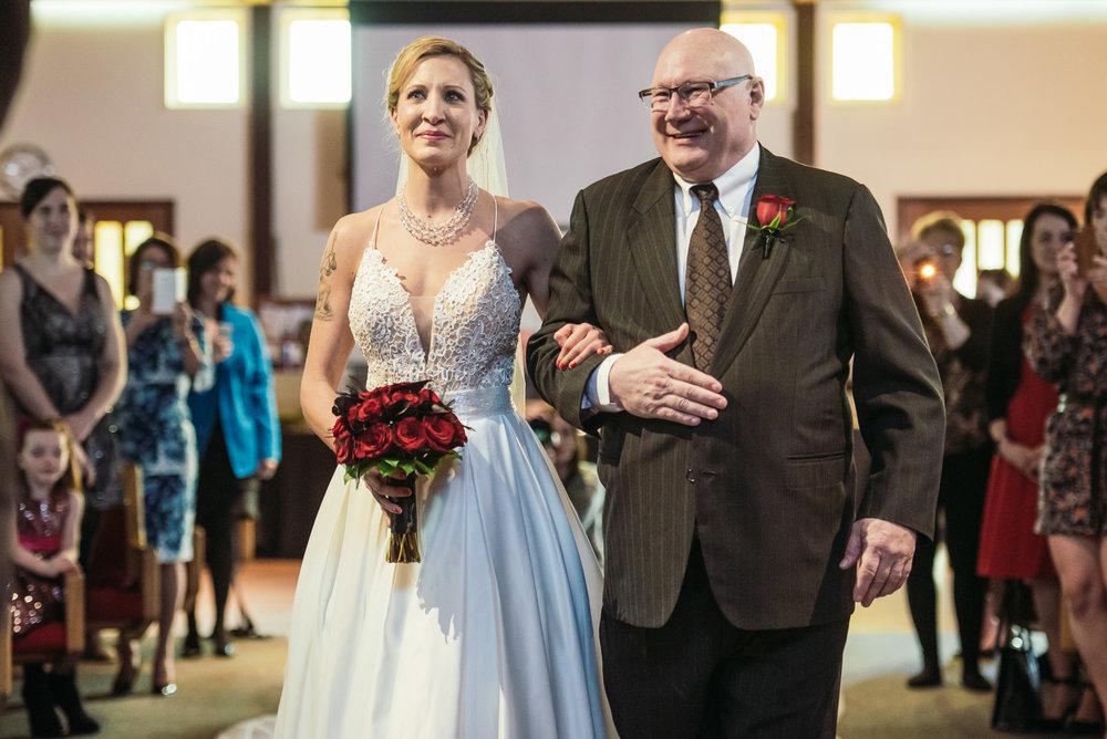 vancouver-island-wedding-photographers-grouse-mountain-winter-wedding-18.jpg