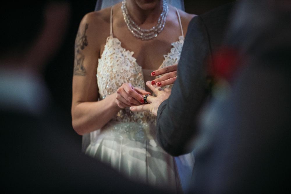 vancouver-island-wedding-photographers-grouse-mountain-winter-wedding-21.jpg
