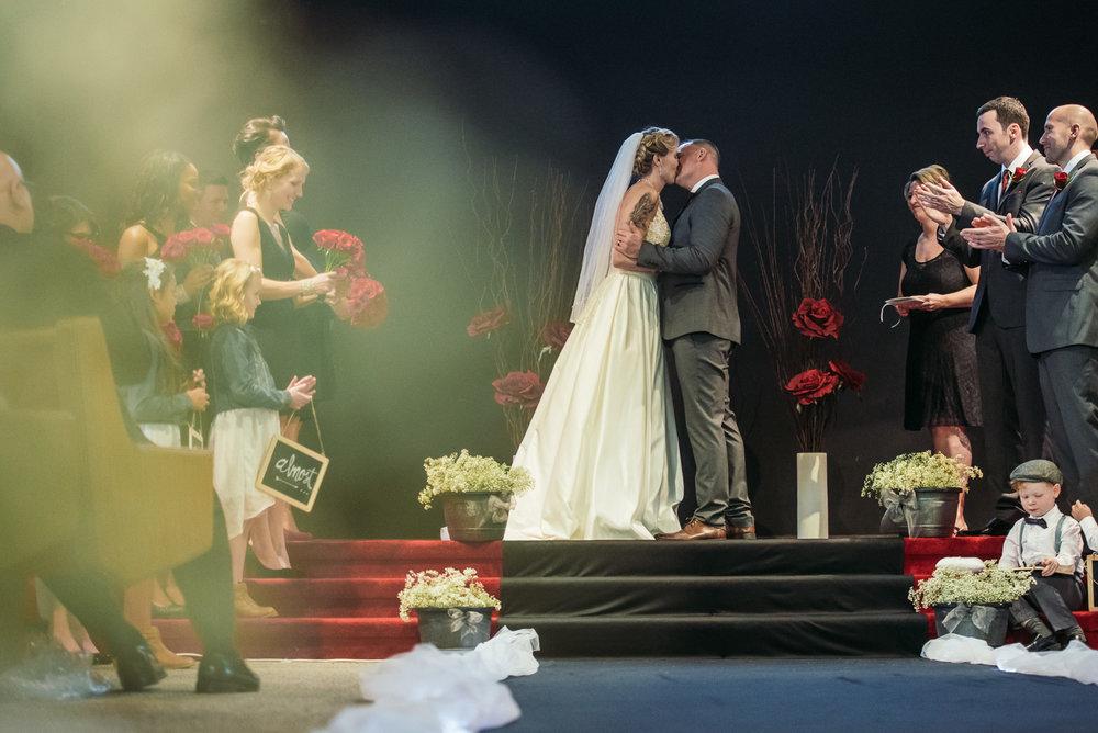 vancouver-island-wedding-photographers-grouse-mountain-winter-wedding-22.jpg