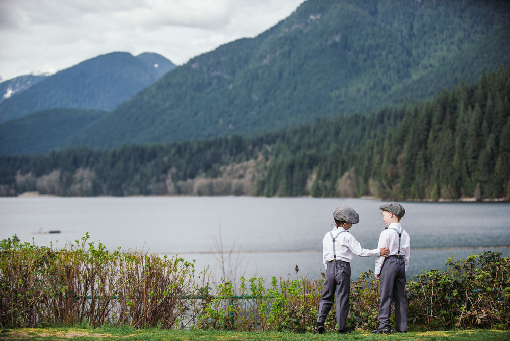 vancouver-island-wedding-photographers-grouse-mountain-winter-wedding-23.jpg