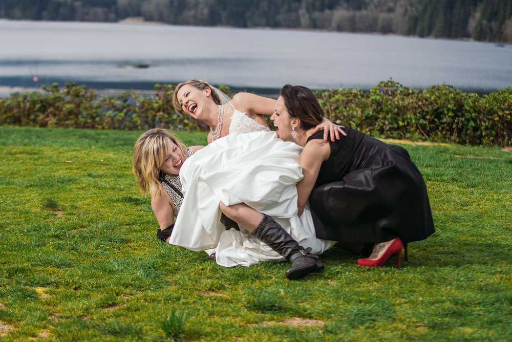vancouver-island-wedding-photographers-grouse-mountain-winter-wedding-26.jpg