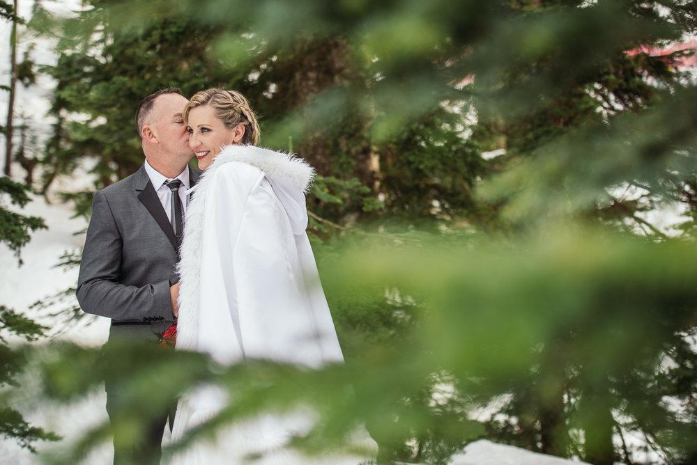 vancouver-island-wedding-photographers-grouse-mountain-winter-wedding-32.jpg