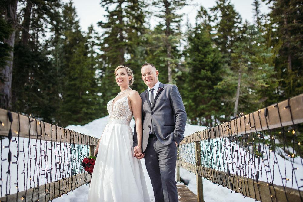 vancouver-island-wedding-photographers-grouse-mountain-winter-wedding-37.jpg