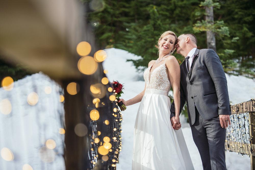 vancouver-island-wedding-photographers-grouse-mountain-winter-wedding-38.jpg
