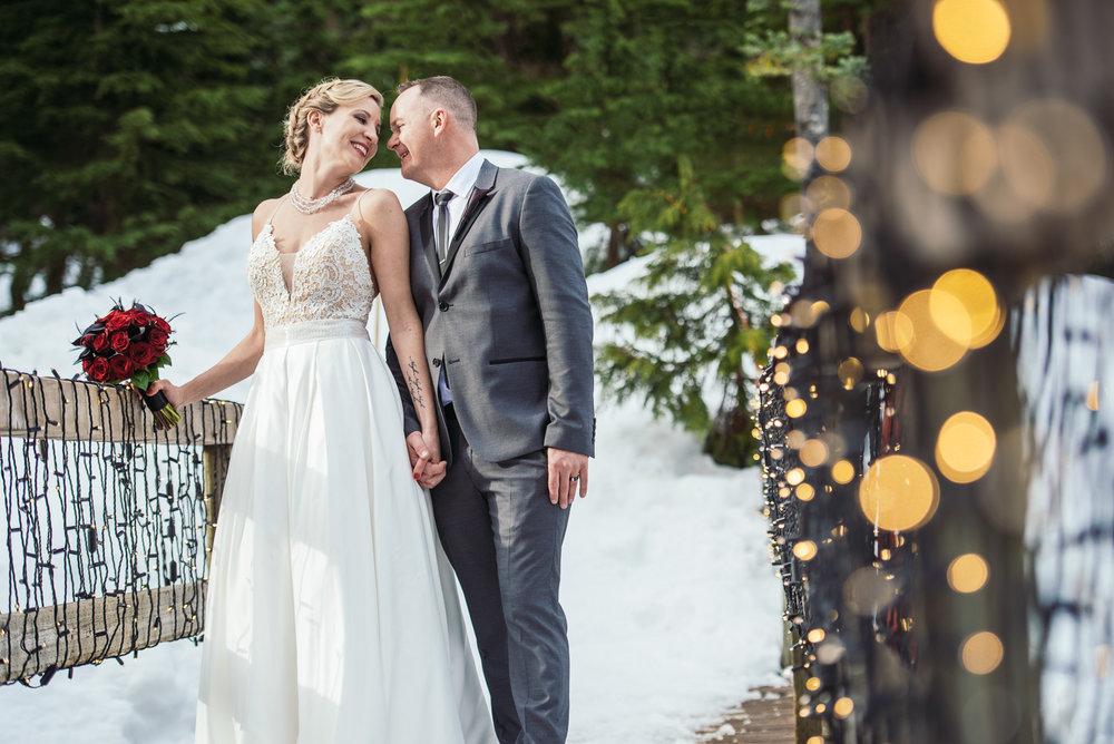 vancouver-island-wedding-photographers-grouse-mountain-winter-wedding-39.jpg