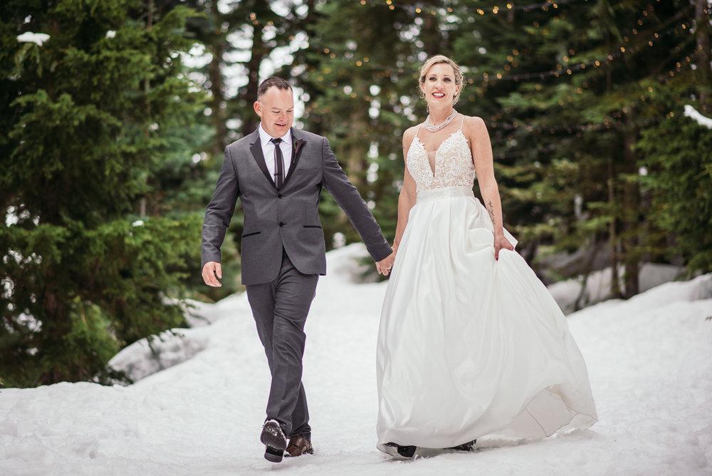 vancouver-island-wedding-photographers-grouse-mountain-winter-wedding-43.jpg