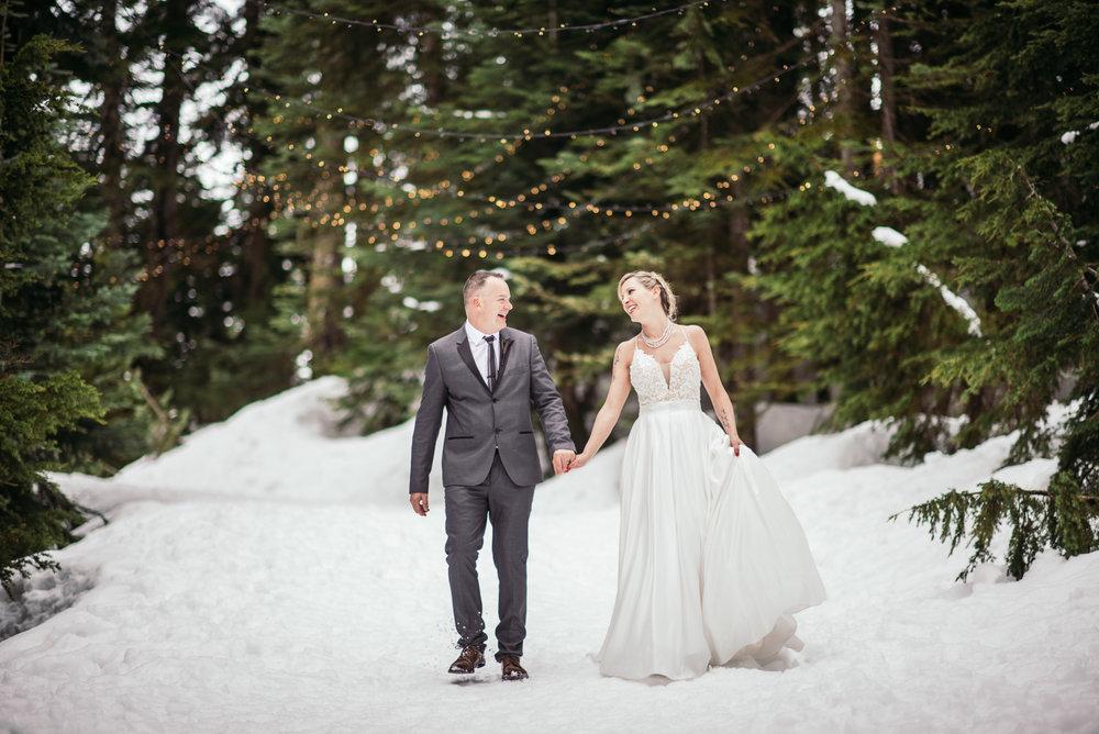 vancouver-island-wedding-photographers-grouse-mountain-winter-wedding-42.jpg