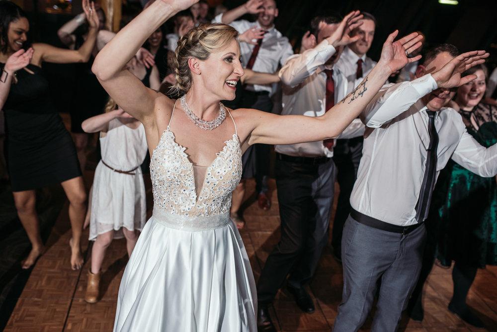 vancouver-island-wedding-photographers-grouse-mountain-winter-wedding-55.jpg