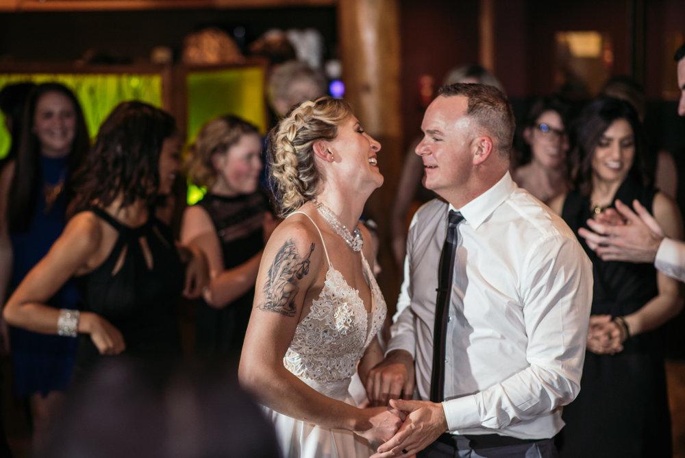 vancouver-island-wedding-photographers-grouse-mountain-winter-wedding-56.jpg