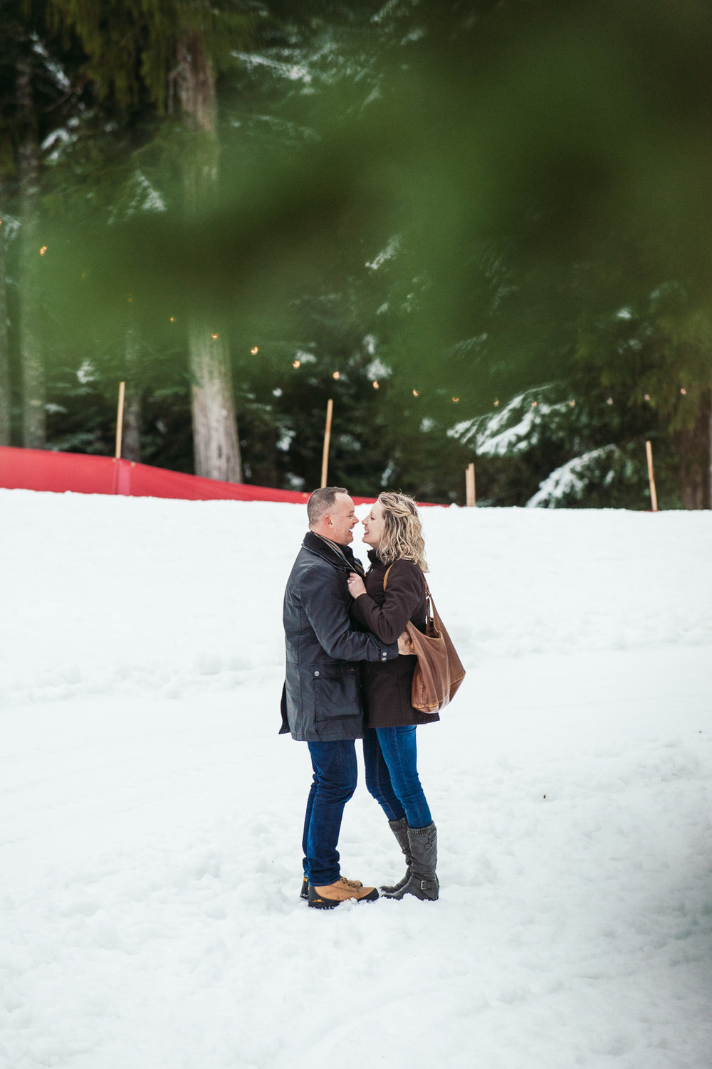 victoria-wedding-photographers-grouse-mountain-proposal-12.jpg