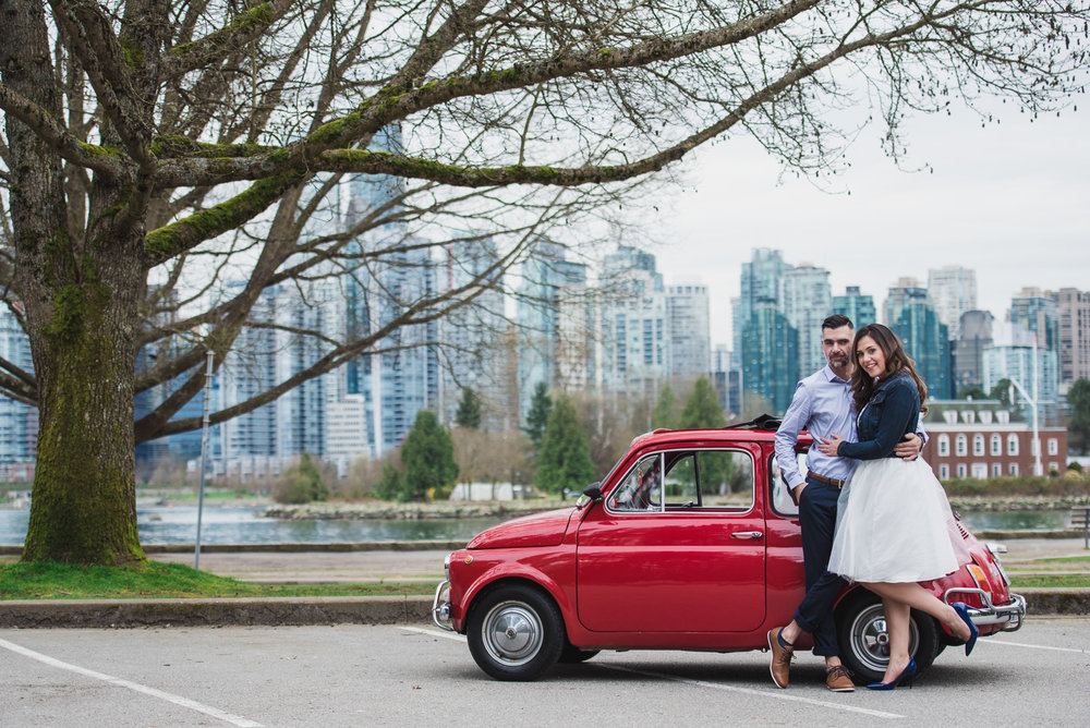victoria-wedding-photographers-stanley-park-engagement-session-1.jpg