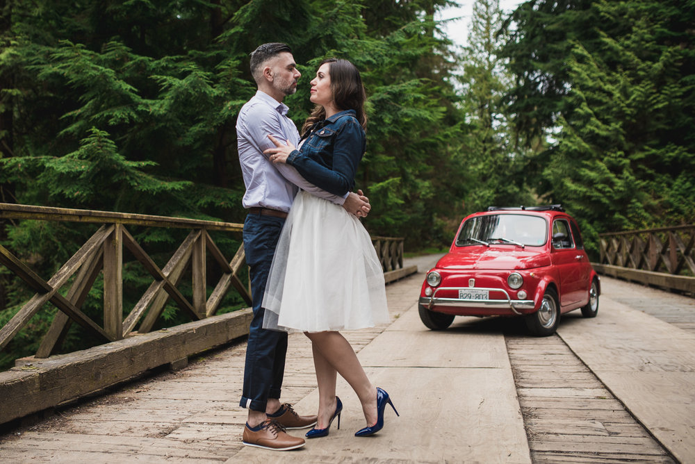 victoria-wedding-photographers-stanley-park-engagement-session-7.jpg