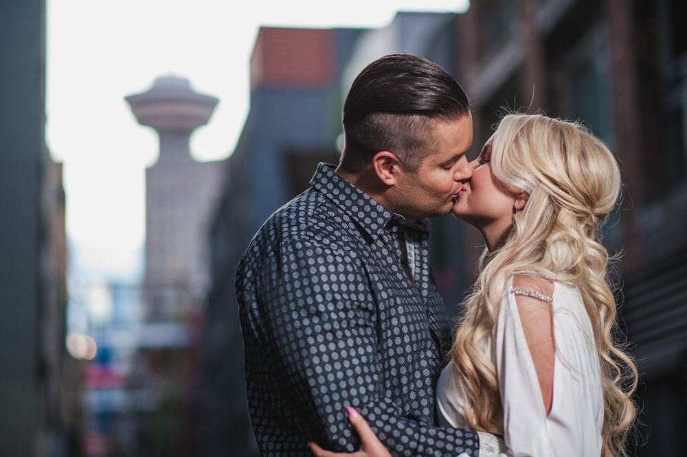 vancouver-wedding-photographers-gastown-engagement-11.jpg