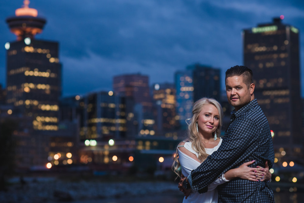 vancouver-wedding-photographers-gastown-engagement-14.jpg