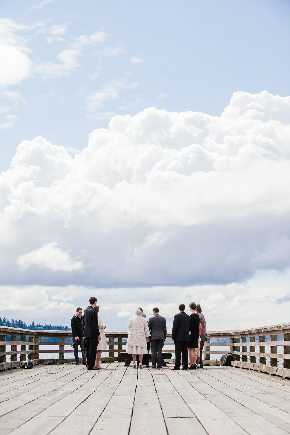 vancouver-island-wedding-photographers-john-lawson-park-pier-wedding-04.jpg