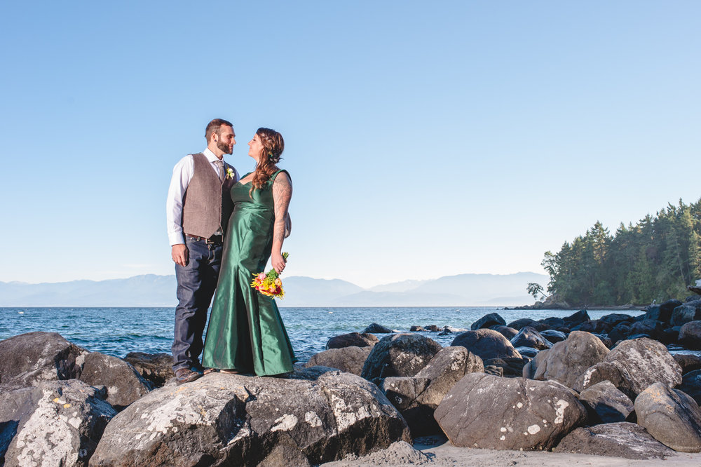sooke-wedding-photographers-diy-wedding-in-east-sooke-52.jpg
