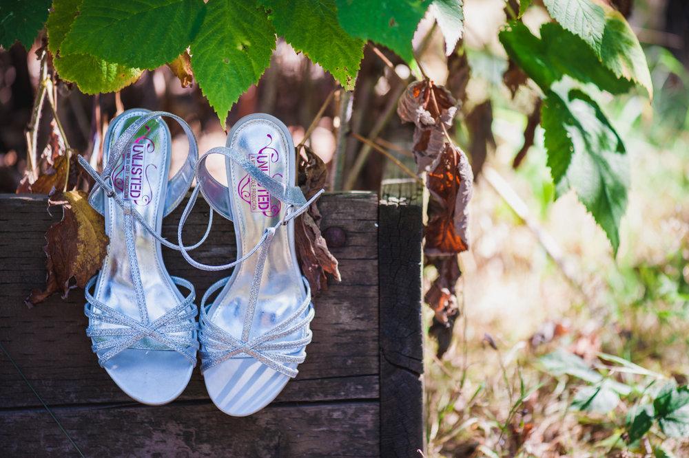 victoria-wedding-photographers-royal-colwood-golf-course-wedding-03.jpg