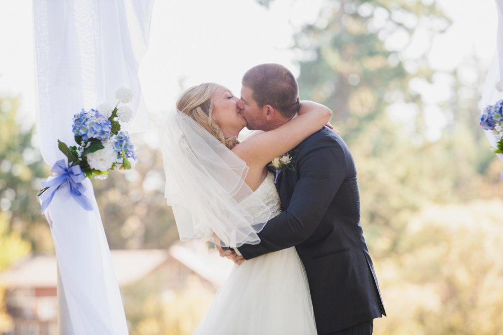 victoria-wedding-photographers-royal-colwood-golf-course-wedding-19.jpg