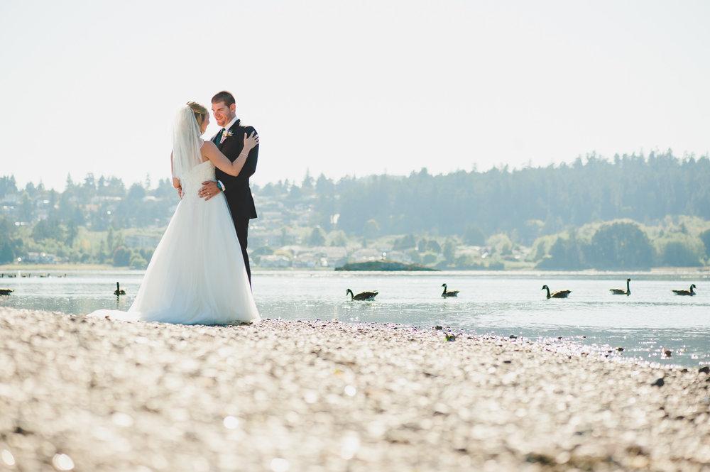 victoria-wedding-photographers-royal-colwood-golf-course-wedding-25.jpg