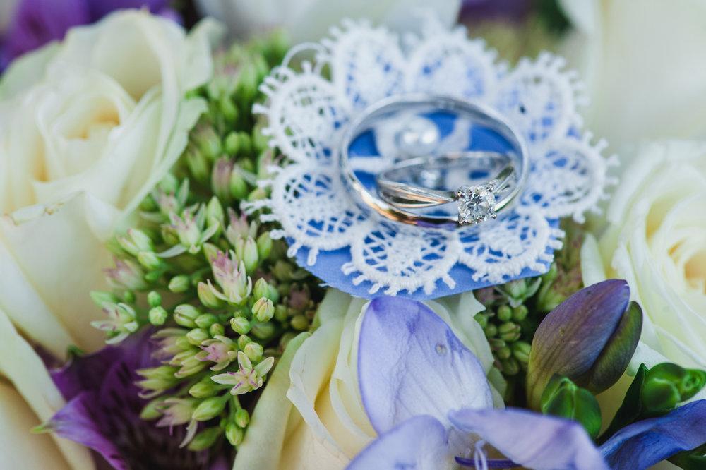 victoria-wedding-photographers-royal-colwood-golf-course-wedding-28.jpg