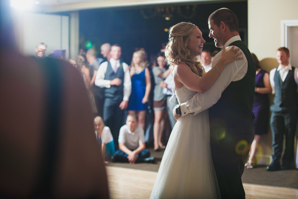 victoria-wedding-photographers-royal-colwood-golf-course-wedding-54.jpg
