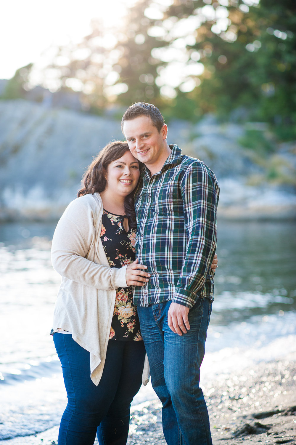 vancouver-island-wedding-photographers-whytecliff-park-engagement-03.jpg