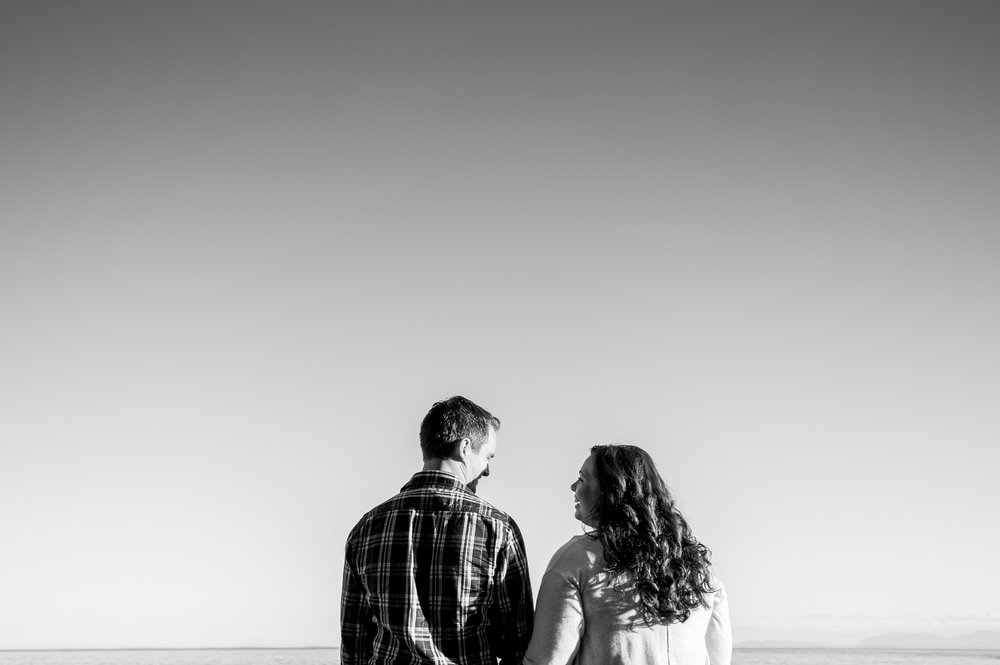 vancouver-island-wedding-photographers-whytecliff-park-engagement-07.jpg