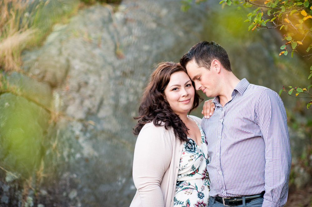 vancouver-island-wedding-photographers-whytecliff-park-engagement-14.jpg