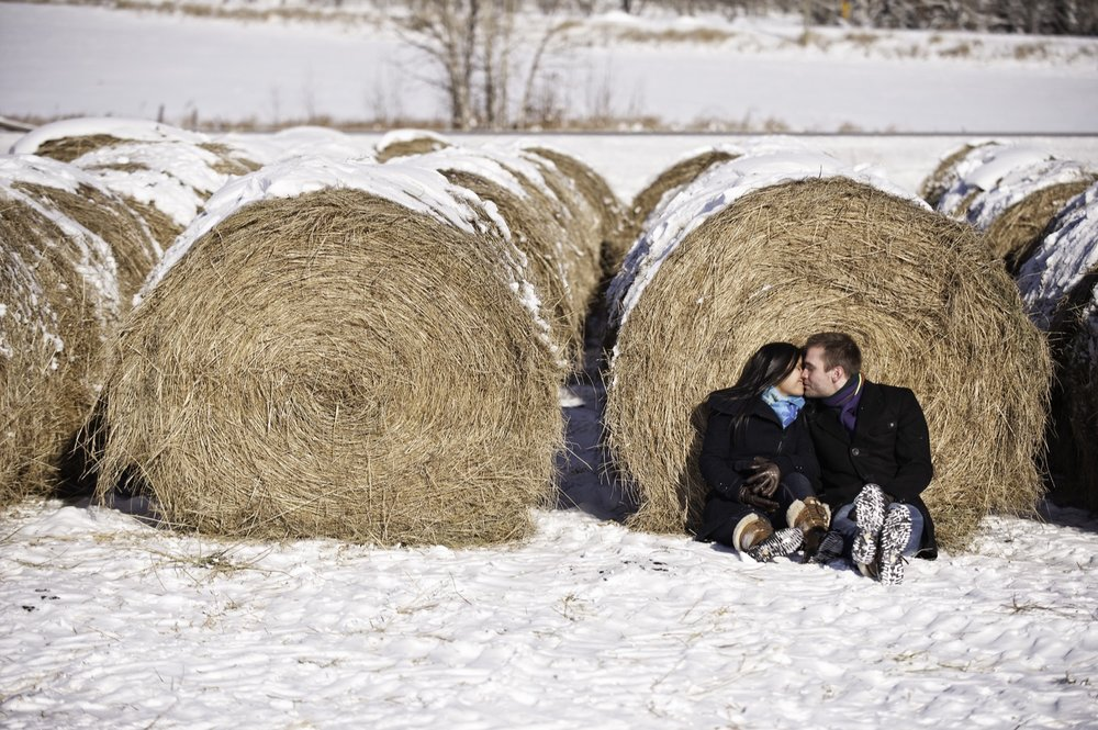 victoria-wedding-photographers-calgary-winter-engagement-proposal-02.jpg