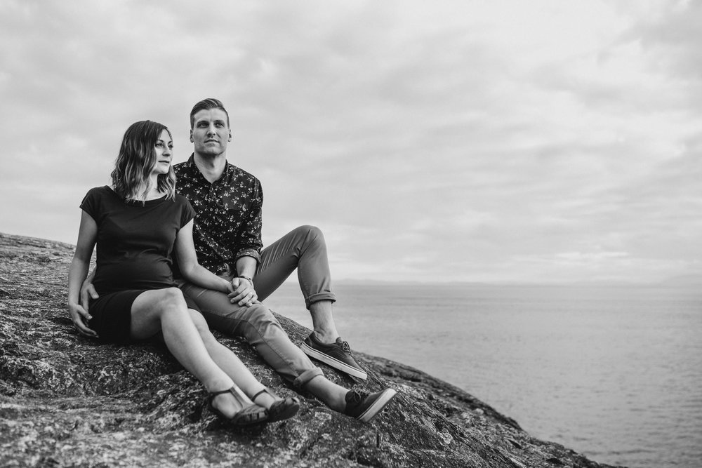 lighthouse-park-maternity-victoria-wedding-photographers-10.jpg