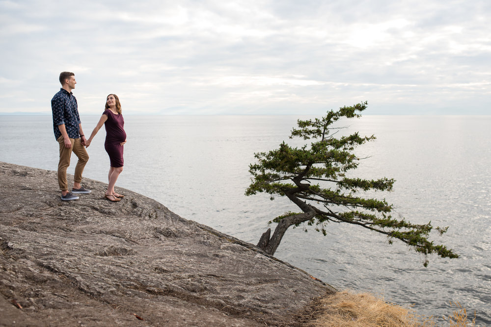 lighthouse-park-maternity-victoria-wedding-photographers-9.jpg