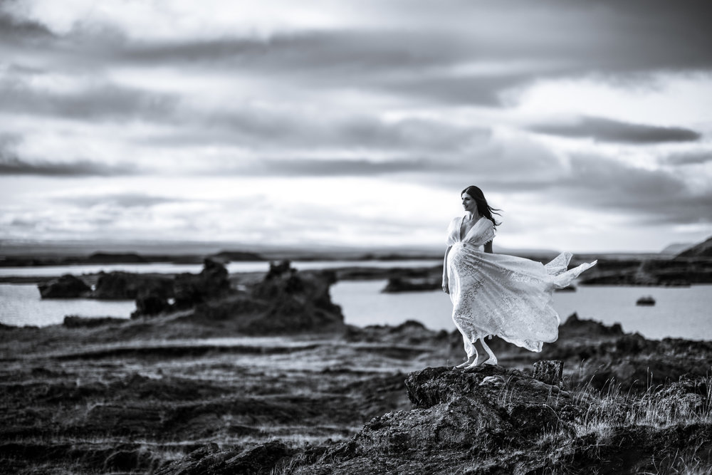 victoria-wedding-photographers-iceland-maternity-photos-14.jpg