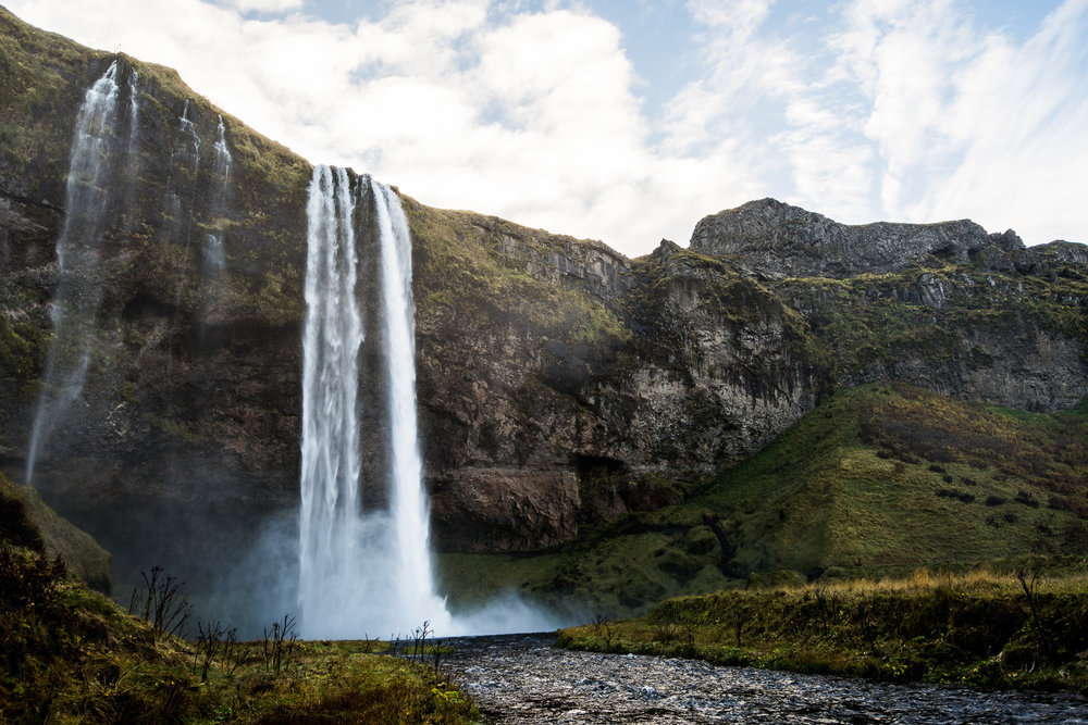 iceland-elopement-photographers-victoria-wedding-photographers-travel-iceland-15.jpg