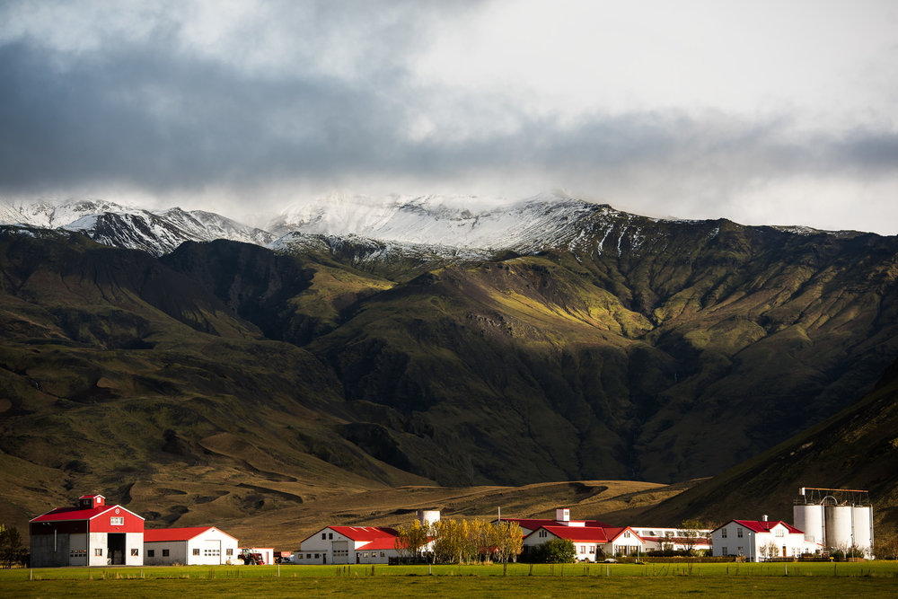 iceland-elopement-photographers-victoria-wedding-photographers-travel-iceland-18.jpg