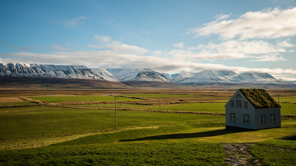 iceland-elopement-photographers-victoria-wedding-photographers-travel-iceland-60.jpg