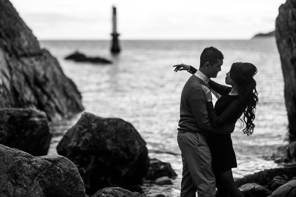 vancouver-island-wedding-photographers-whytecliff-park-engagement-7.jpg