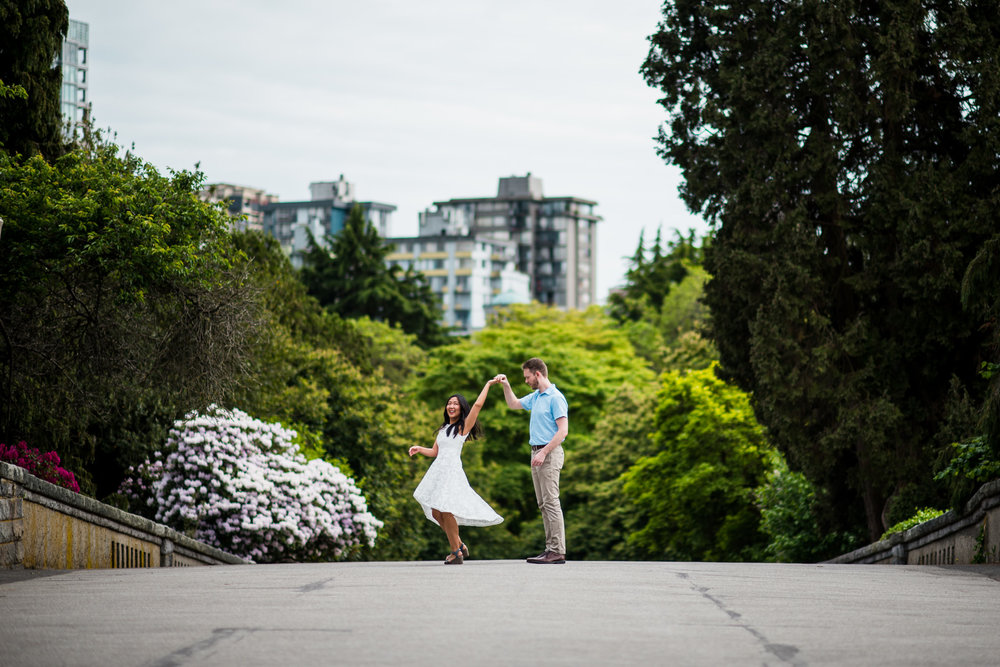 victoria-wedding-photographers-stanley-park-engagement-photos-12.jpg