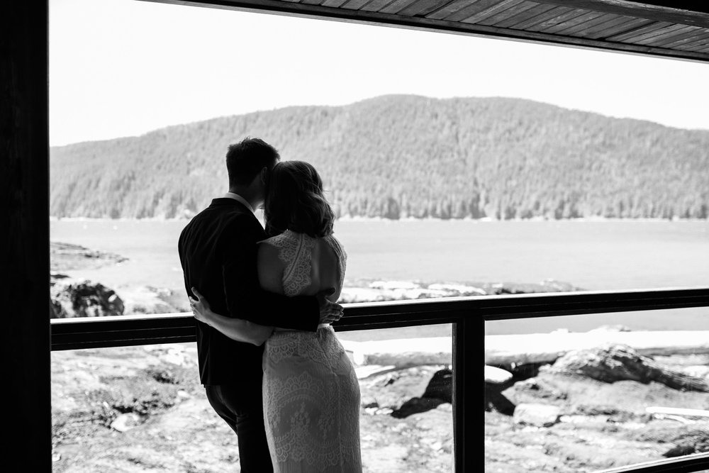 victoria-wedding-photographer-botanical-beach-wedding-port-renfrew-19.jpg
