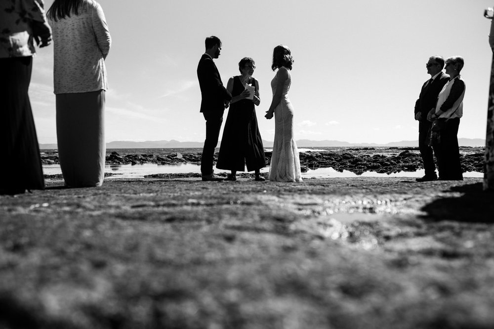 victoria-wedding-photographer-botanical-beach-wedding-port-renfrew-29.jpg