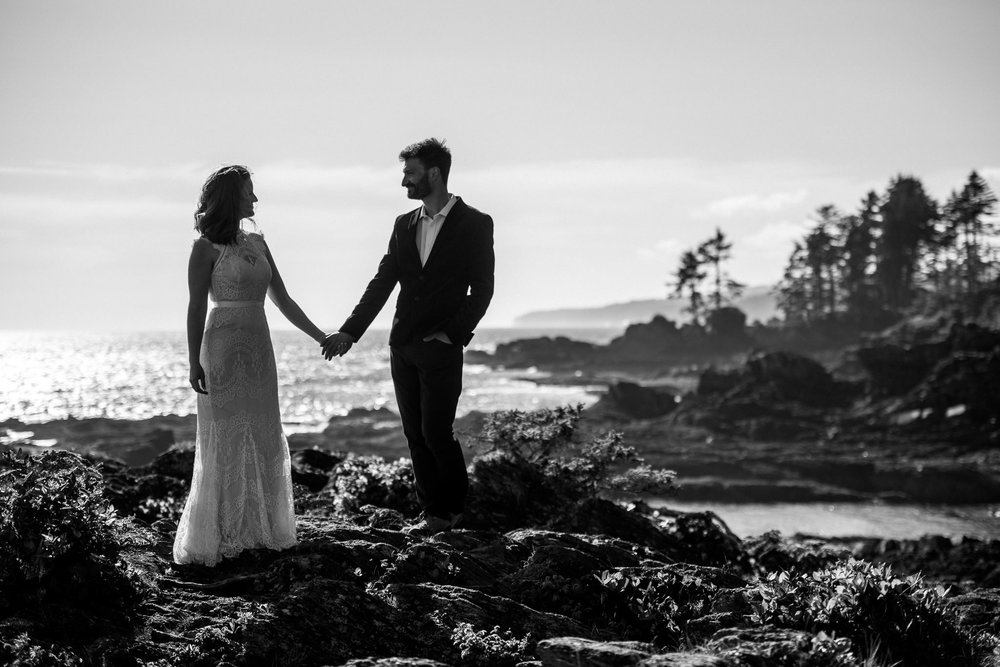 victoria-wedding-photographer-botanical-beach-wedding-port-renfrew-51.jpg