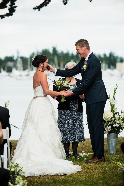 victoria-wedding-photographers-North-Saanich-Yacht-Club-Wedding-23.jpg