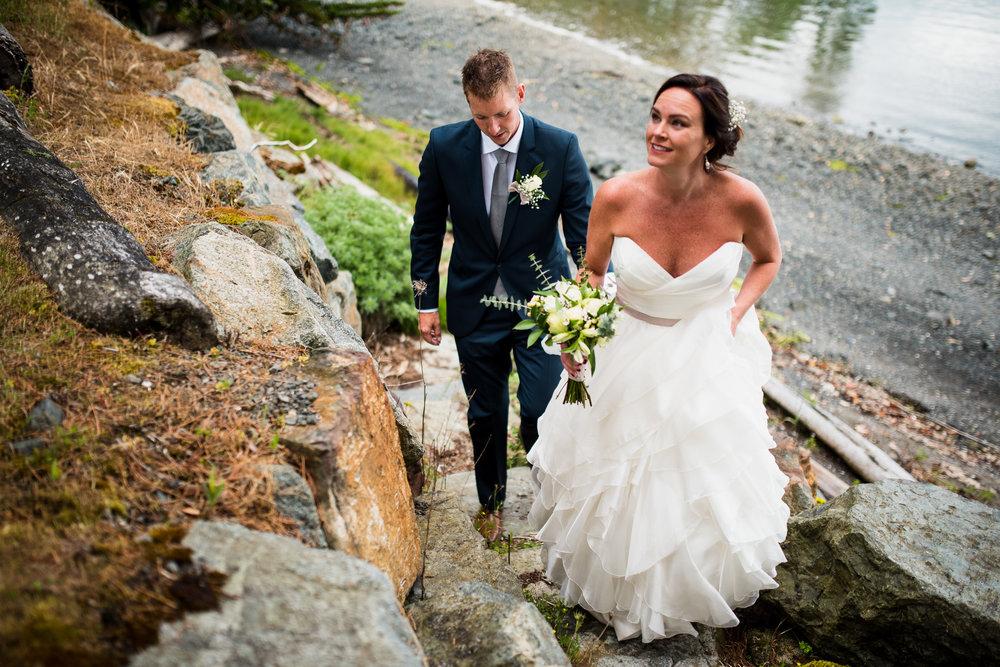 victoria-wedding-photographers-North-Saanich-Yacht-Club-Wedding-40.jpg