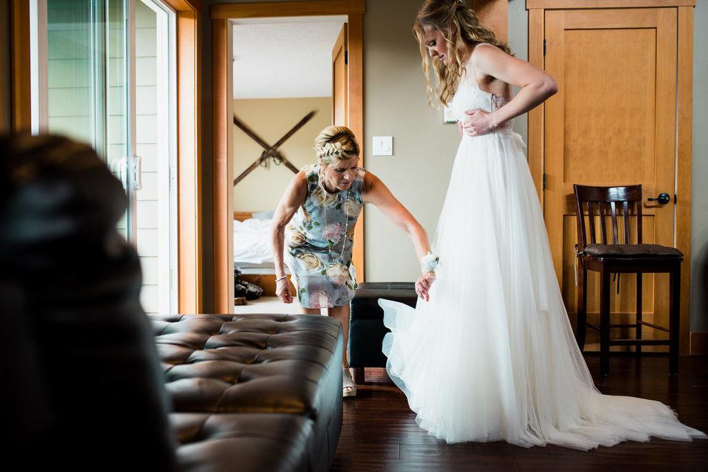 victoria-wedding-photographers-mount-washington-winter-wedding-16.jpg