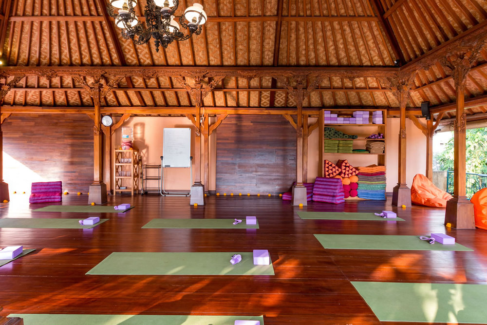 retreat_center_narasoma_yogahall.jpg