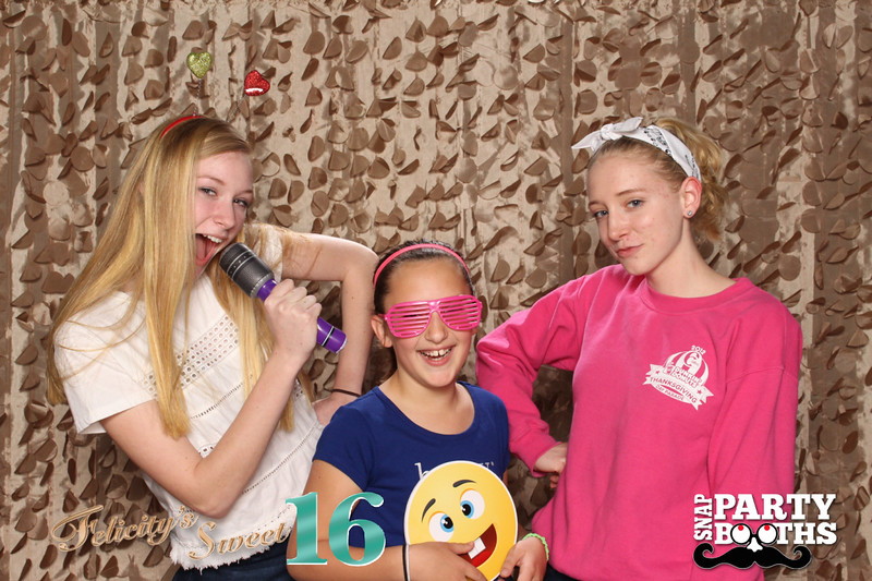 Snap-Party-Booth-23-L.jpg