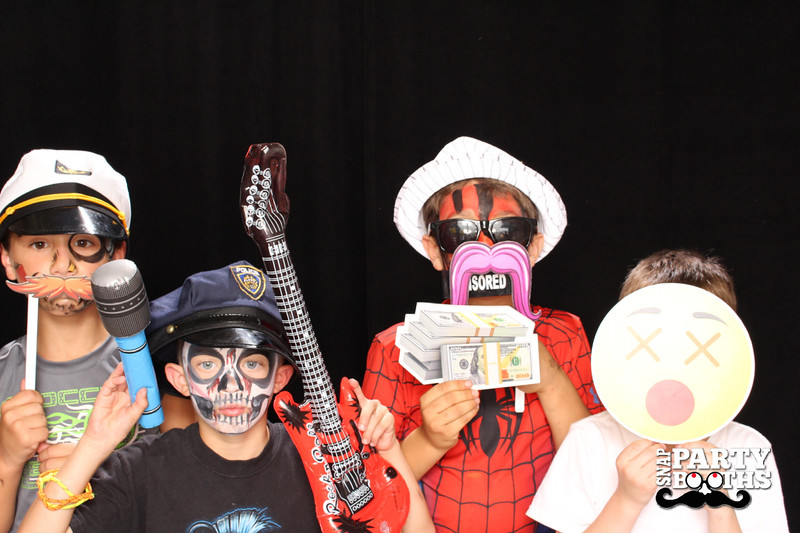 Snap-Party-Booth-323-L.jpg
