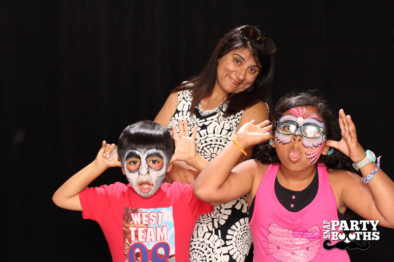 Snap-Party-Booth-347-L.jpg